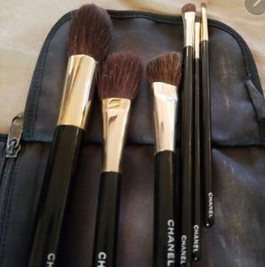 Chanel makeup brushes with bag